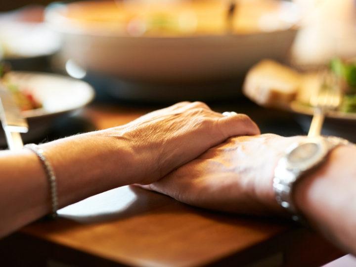 Výdaj obedov pre bezdomovcov v Spišskej Novej Vsi