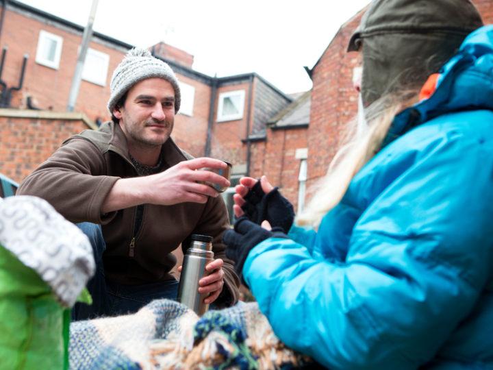 Studené obdobie pomôže bezdomovcom prežiť prvá charitná aplikácia