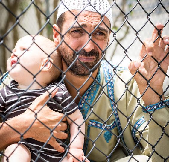 Integráciu utečencov na Slovensko bude naďalej vykonávať charita
