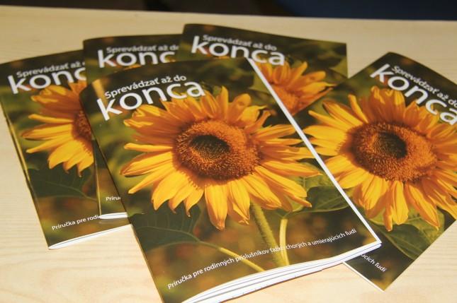 Charita vydala príručku pre rodinných príslušníkov ťažko chorých a umierajúcich ľudí