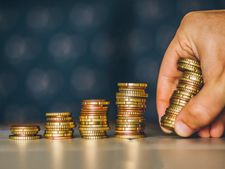 Peňažný príspevok na opatrovanie by sa mal zvýšiť