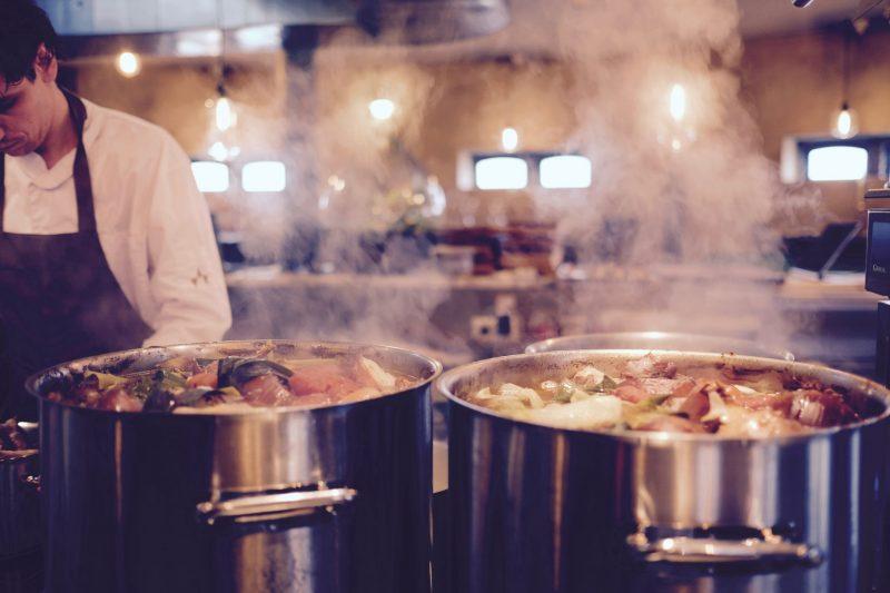 Teplé jedlo zadarmo